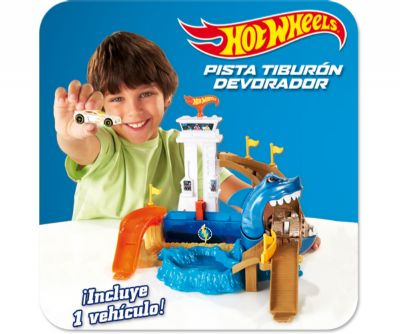 HOT WHEELS PISTA TIBURON DEVORADOR
